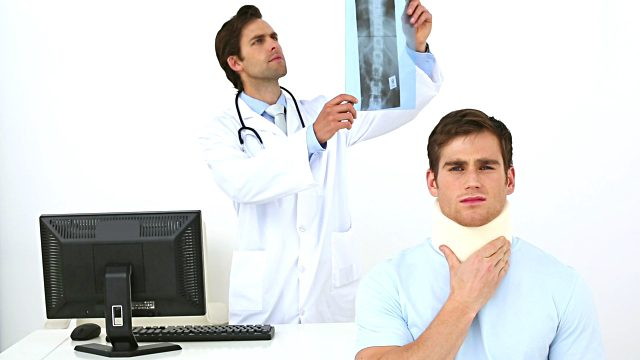 How Chiropractic Care Helps Treat Whiplash and Neck Injury - El Paso Chiropractor