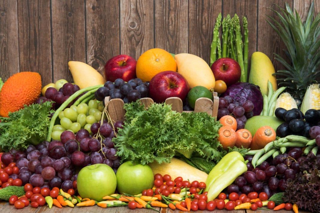 organic-food-definition-benefits-cost-1068x713